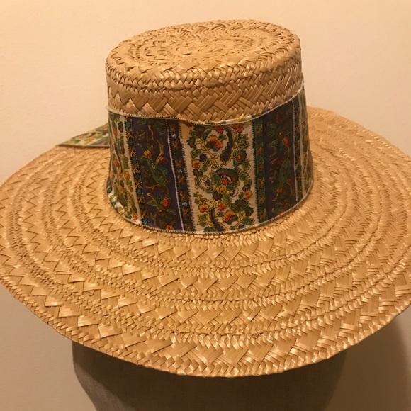 Vintage Straw Hat. M 5acfc3462ab8c560533fa739 3d820a7c5ce
